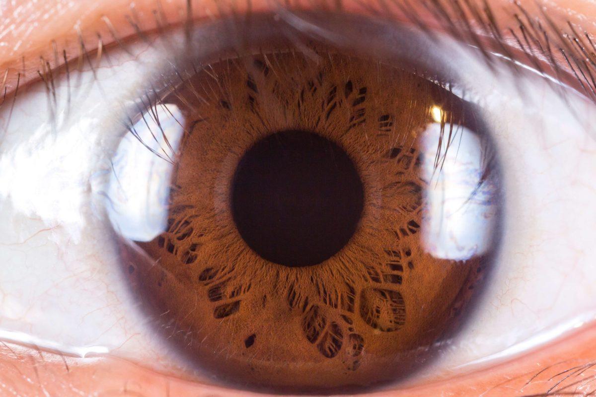 jakie krople do oczu przy soczewkach